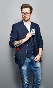 Axel Adams Zauberer aus Ingolstadt